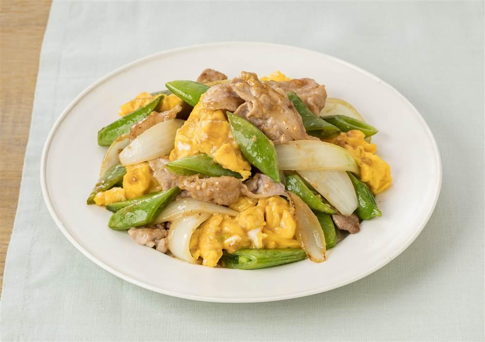 写真:豚肉とたまごとスナップえんどうの深煎りごま炒め