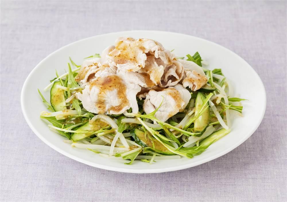 写真:豚しゃぶと水菜のサラダ