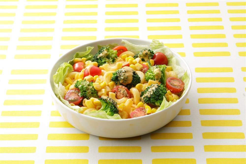 写真:ブロッコリーとミニトマトのマカロニサラダ