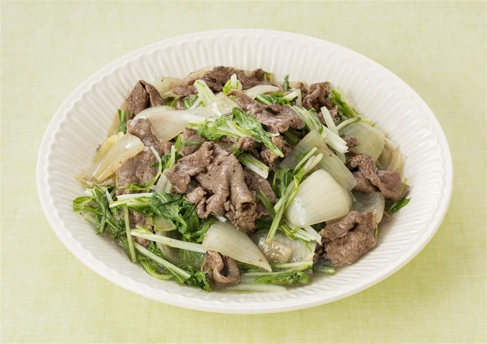 写真:水菜と玉ねぎと牛肉の蒸し煮