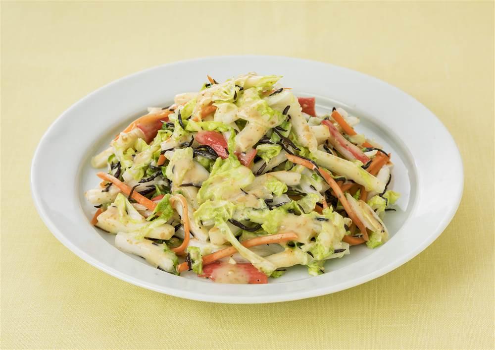 写真:白菜とひじきの深煎りごまあえサラダ