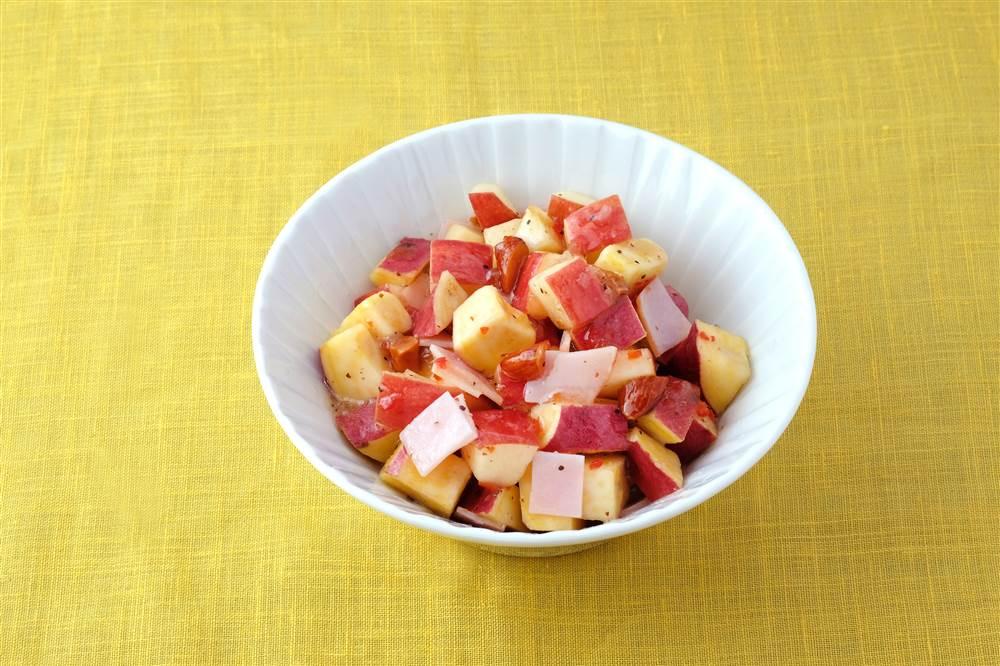 写真:さつまいもとりんごのコロコロサラダ