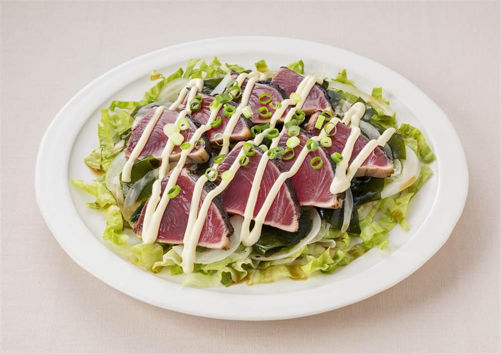 写真:かつおのたたき サラダ仕立て
