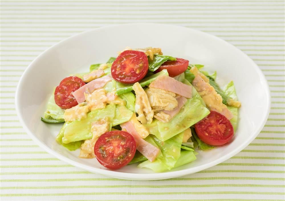 写真:キャベツとミニトマトとたまごのあえサラダ