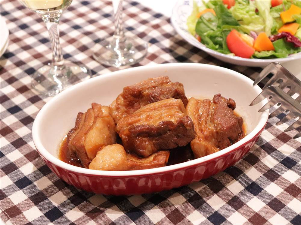 写真:豚肉のりんごソース煮