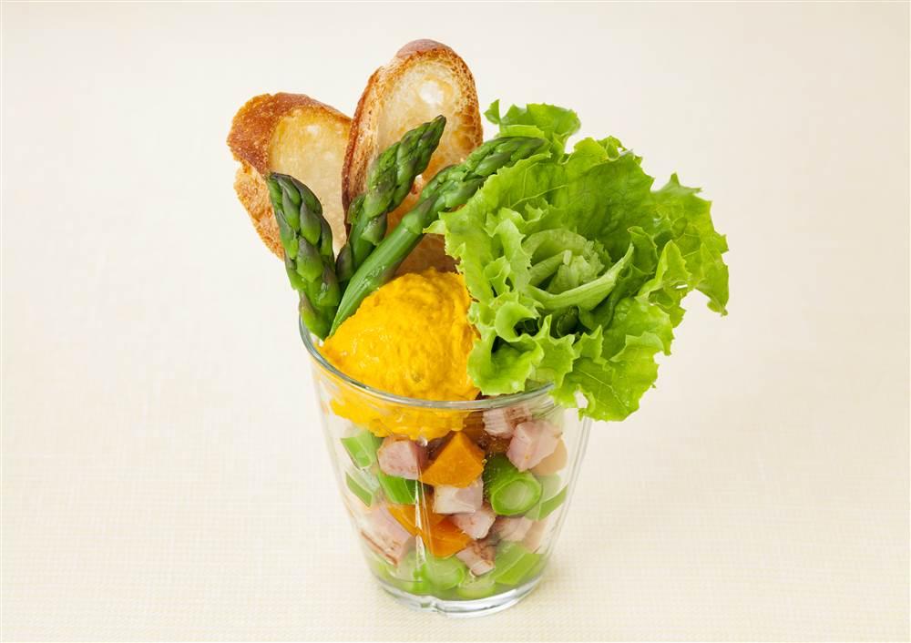 写真:マッシュドパンプキンのサラダパフェ