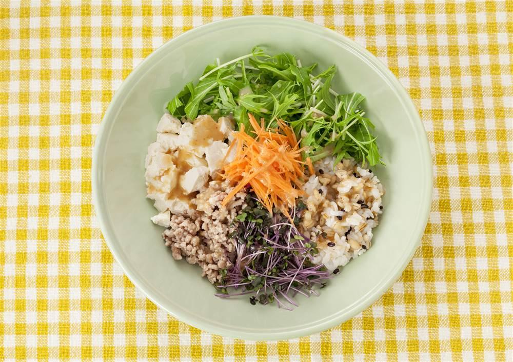 写真:豆腐と水菜のベジボウル