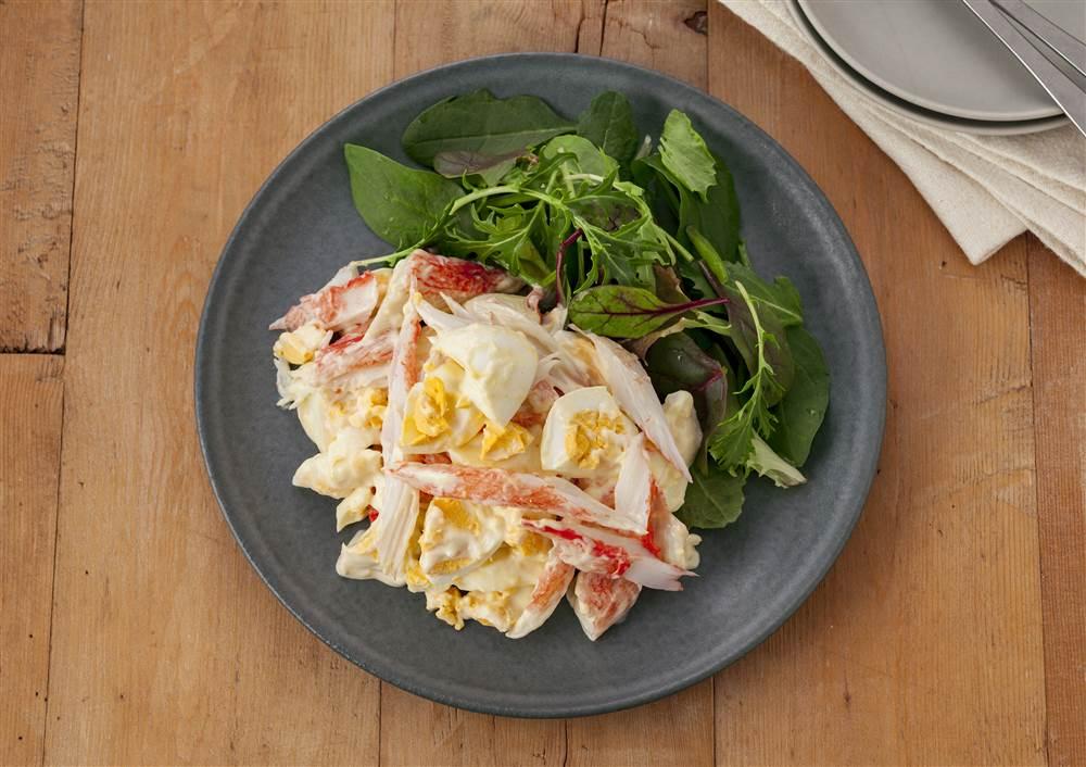 写真:かにかまとたまごのデリ風サラダ