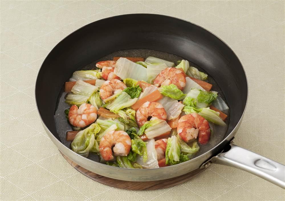 写真:白菜とえびの蒸し煮