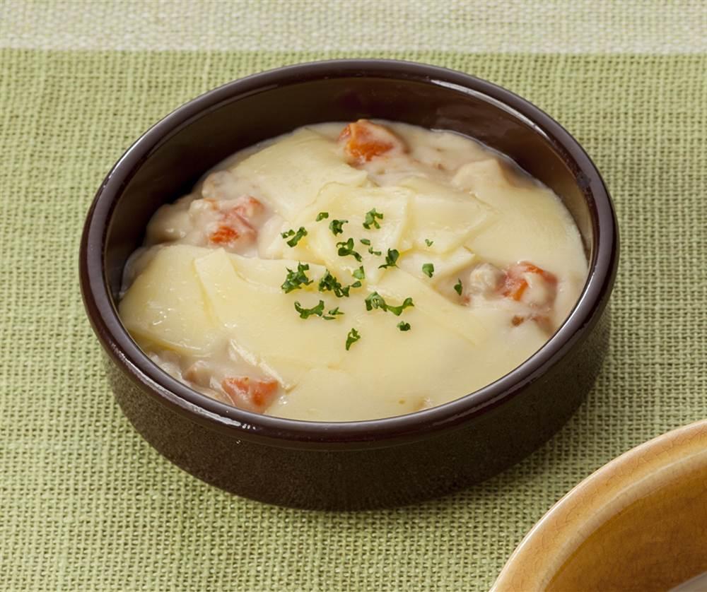 主菜:海老と貝柱のクリーム煮のチーズのせ