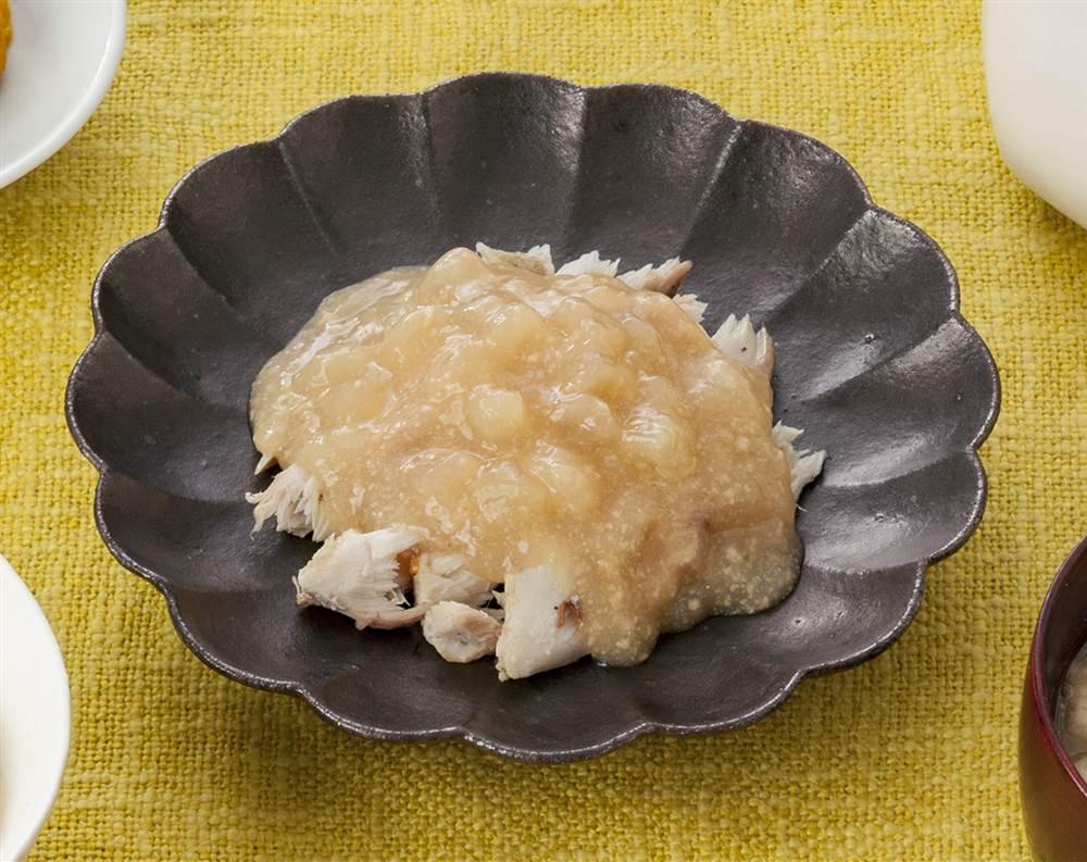 主菜:さばの塩焼き 大根の鶏そぼろあんかけ