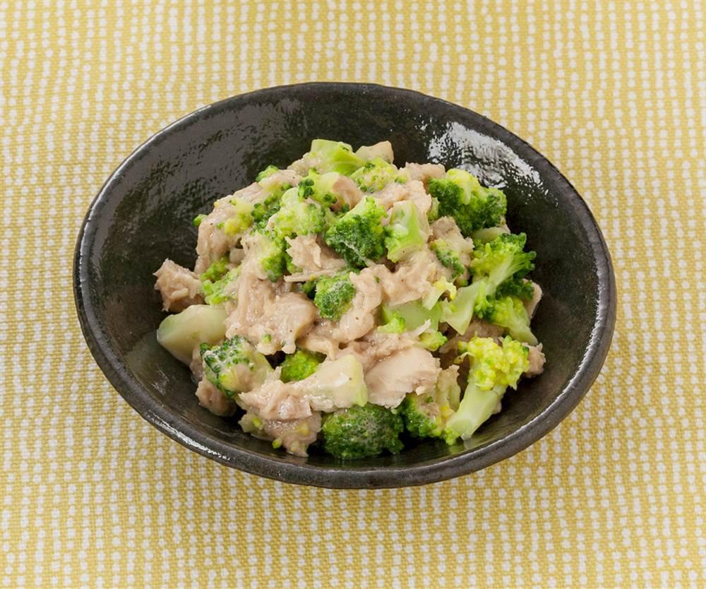 副菜:ブロッコリーとツナのサラダ