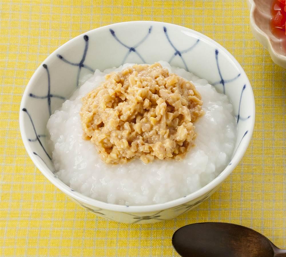 主食:おかゆ納豆のせ