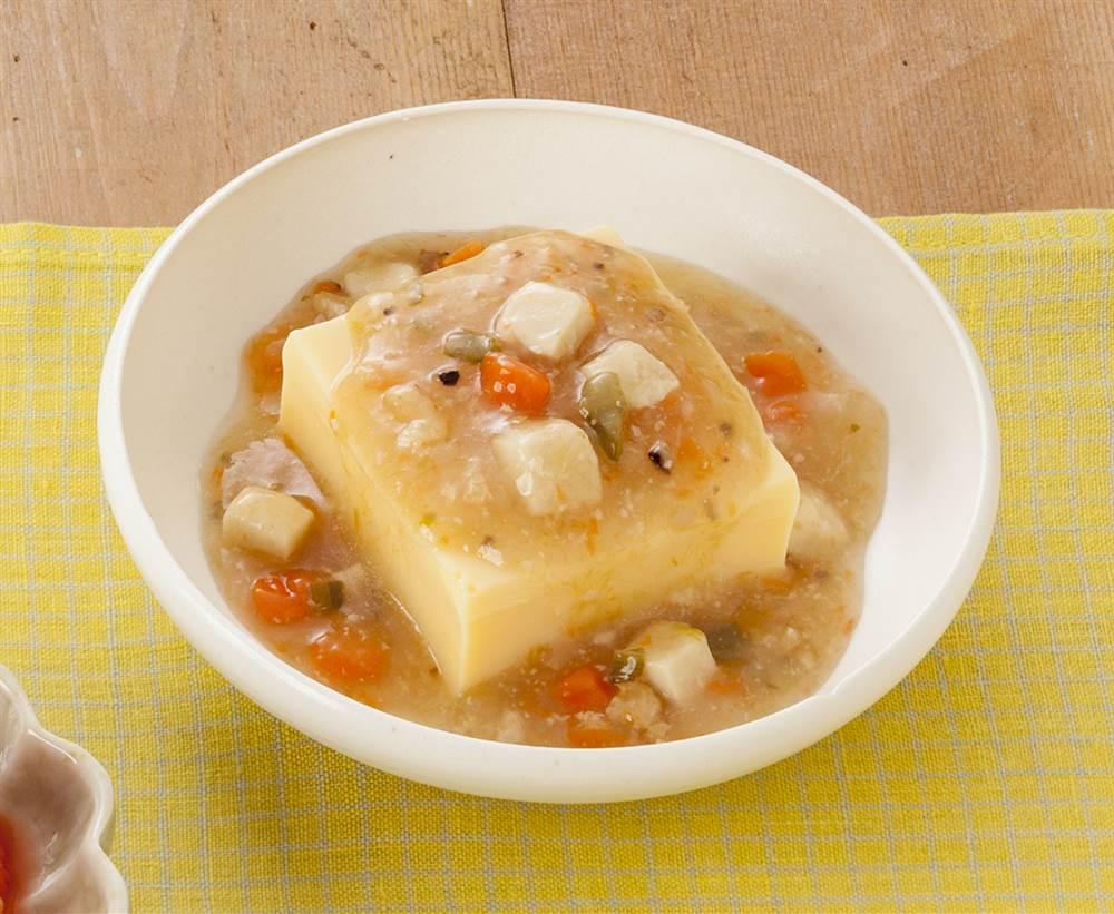 主菜:たまご豆腐 たらの彩りあんかけのせ